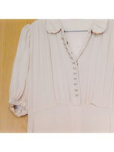 #bytimo #bytimovintage Vintage Outfits, V Neck, Clothes, Beautiful, Tops, Women, Fashion, Outfits, Moda