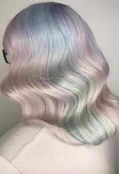 Mother-of-Pearl Hair Trend: Pearl Hair Color Ideas Mint Hair, Peach Hair, Pastel Hair, Hair Lights, Unicorn Hair Color, Vegas Hair, Opal Hair, Hair Shades, Mermaid Hair