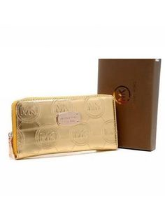 Michael Kors Wallet Jet Set Monogram Continental Golden....want