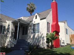 Who's the dick in the neighborhood now? #designdisasters #losangeles #realestate