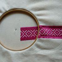 Prapelia Embroidery, Bracelets, Gold, Jewelry, Needlepoint, Jewlery, Bijoux, Schmuck, Jewerly