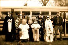 Trick 'r Treat Trick Or Treat Movie, Trick R Treat 2007, Trick Or Treat Sam, Ghost Movies, Scary Movies, Horror Movies, Halloween Ii, Halloween Drawings, Halloween Ideas