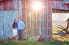 Engagement Session Photography Kentucky Owensboro Barn Farm