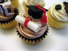 Graduation Cupcakes!!  No me gustaria comerme mi titulo xD