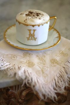 #Monogram, 24K gold tea cup.  I would melt drinking my latte in that cup.  #ClassicalDesign stellarsky