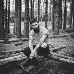 62 Trendy photography poses for men in forest photography 837810336914891253 Portrait Photography Men, Photography Poses For Men, Forest Photography, Photography Flyer, Photography Lessons, Photoshop Photography, Male Models Poses, Male Poses, Men Photoshoot