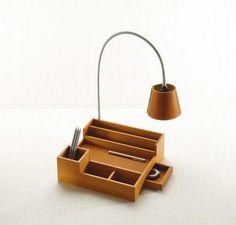 Set de bureau en cuir. / Desk leather set. / Mariateresa, designer. / By Pinetti.