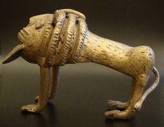 African Brass Lion, West-Africa #578 | Figures | Metal — Deco Art Africa - Decorative African Art - Ethnic Tribal Art - Art Deco