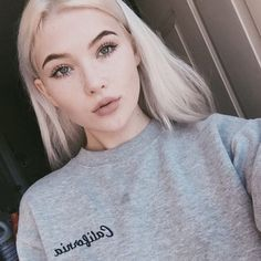 Embroidered California corner Grey Crop Crewneck