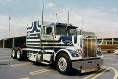 Show Trucks, Big Rig Trucks, Old Trucks, Classic Tractor, Classic Trucks, Classic Cars, Rolling Coal, Freightliner Trucks, 6x6 Truck