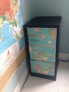 I am very happy with this File Cabinet revamp, chalkboard paint, Old maps and magnetic scrabble tiles Globe Art, Map Globe, Furniture Update, Furniture Ideas, Big Boy Bedrooms, Crafts For Kids, Arts And Crafts, Diy Ideas, Craft Ideas