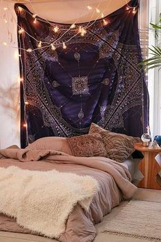 Celestial Medallion Tapestry - I wish I had space for more tapestries in my dorm room! These tapestries from Urban Outfitters are just so amazing. Bohemian Bedroom Decor, Boho Room, Teen Room Decor, Room Ideas Bedroom, Hippie Bedrooms, Gypsy Bedroom, Gothic Bedroom, Cosy Home, Hippy Room