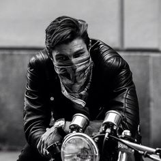 Nice Pic ! Great Jacket! #MotorcycleJacket #Perfecto #Fashion #DoubleRider #CafeRacer At Eagle Ages we love Motorcycle Jacket. You can find a great choice of Vintage & Second hands Motorcycle Jacket in our store. At https://eagleages.com/coats-jackets/men-coats-jackets/motorcycle-jackets.html