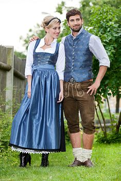 Me and you in a year 🍻🍺🍻🍺🍻🍺 ❤️ Traditional Fashion, Traditional Dresses, Drindl Dress, Oktoberfest Outfit, German Oktoberfest, Vintage Dresses, Vintage Outfits, German Costume, German Outfit
