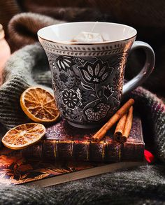Christmas snow winter holiday xmas festive cold hot chocolate orange coffee fire mug tea cup cinnamon snowflake fireplace hot drink christmas decorations christmas mood Coffee Break, Coffee Time, Tea Time, Coffee Coffee, Morning Coffee, Coffee Shop, Coffee Mornings, Book And Coffee, Momento Cafe