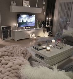 53 affordable apartment living room design ideas on a budget 31 - 16 room decor Apartment design ideas Living Room Decor Cozy, Living Room Grey, Home Living Room, Apartment Living, Living Room Designs, Bedroom Decor, Cozy Apartment, Table For Living Room, Budget Living Rooms