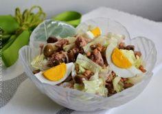 COSULETE APERITIV DIN FOIETAJ - Rețete Fel de Fel Nutella, Cobb Salad, Salads, Deserts, Food And Drink, Cooking Recipes, Eggs, Fish, Muffins