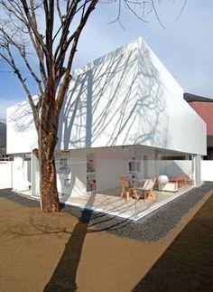 山梨の住宅 アクリルの家
