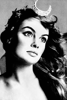 Jean Shrimpton photographed by Richard Avedon for Vogue, 1968