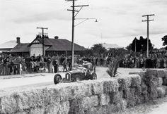 Lex Davison Alfa Romeo P3 and Doug Whiteford Ford V8 Spl: Nuriootpa, South Australia 1949...