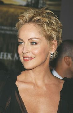 Short Hairstyles For Thick Hair, Short Pixie Haircuts, Short Hair Cuts, Easy Hairstyles, Curly Hair Styles, Sharon Stone Hairstyles, Short Choppy Hair, Short Wavy, School Hairstyles