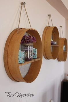 Take a look at 32 cool DIY projects that will give you an easy way to personalize and enhance your kitchen, the space you spend most of your time in your home; 1 2 3 4 5 6 7 8 9 10 11 12 13 14 15 kitchen decor 32 Cool DIY Decoration Ideas for Your Kitchen Diy Wand, Cheap Home Decor, Diy Home Decor, Round Shelf, Deco Originale, Diy Kitchen Decor, Kitchen Ideas, Diy Home Crafts, Cool Diy Projects