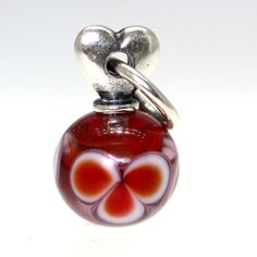 Trollbeads Gallery - Valentine Love, red With A Twist:02, $69.00 (http://www.trollbeadsgallery.com/valentine-love-red-with-a-twist-02/)