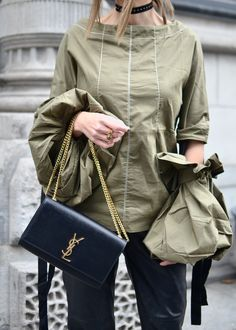 Eli in the Walk-in Travel Style, Raincoat, Walking, Shoe Bag, Jackets, Bags, Lifestyle, Shoes, Fashion