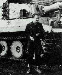 In the summer of 1944, the battalion was considerably over-strength. This resulted in high numbers, as seen here on Leutnant Ruppel's Tiger ...