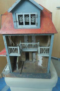 sehr altes großes Puppenhaus mit vielen Räumen und WC ca. 1920 in Antiquitäten & Kunst, Antikspielzeug, Puppen & Zubehör   eBay!
