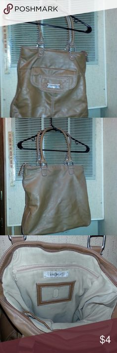 Womans Nine West Brown Leather Purse Actual Pictures of  Womans Nine West Brown Leather Purse         I (slscsi) have 1200+ Positive Transactions on eBay.  Products are in Excellent Condition & Free of Dirt, Holes, Rips or Stains. Nine West Bags Satchels