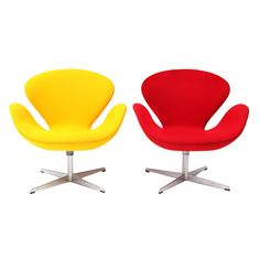 Pair of Swan Chairs by Arne Jacobsen. Now THESE would really class up my living room.