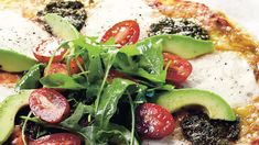 Gluteeniton pizzapohja valmistuu kätevästi gluteenittomasta jauhoseoksesta. Syö sekä edullisesti että hyvin. Tämäkin gluteeniton resepti vain noin 0,50 €/annos. Caprese Salad, Vegetable Pizza, Feel Good, Good Food, Vegetables, Recipes, Warm, Feelings, Recipies
