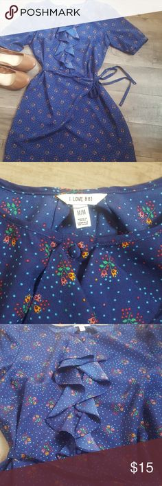 I Love H81 dress. Size M. Great for fall! 🍁 I Love H81 dress in size M. Navy background with pink and orange flowers. Approximately 33 inches long and  19 inches at waist. Forever 21 Dresses