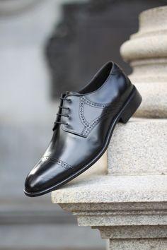 6323fd8b1 Sapato Social Masculino Derby CNS Renno 01 em Couro preto com sola de couro  e forro em couro. #cns #cnsmais #sapato #social #derby #brogue #menshoes # couro ...