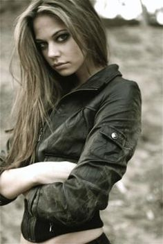 Annaleigh Tipton from America's Next Top Model Cycle 11