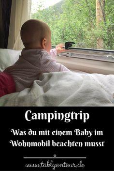 ➙ Für einen Campingurlaub mit Baby eignet sich das #Wohnmobil perfekt. Dennoch gibt es einige Dinge zu beachten, die besonders für die #Sicherheit des Nachwuchses wichtig sind. Wir haben euch eine Liste mit den wichtigsten Dingen zusammengestellt.
