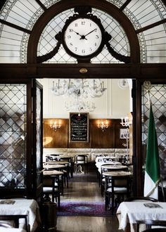 Gilli cafe, Florence / Photography by Line Thit Klein / Yvonne Koné Blog.....