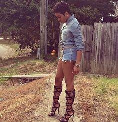 ️️️️️️️️️️️️️️Pinterest: @Mrs Kizzy Anna Wintour, Denim Cutoffs, Love Fashion, Riding Boots, Street Wear, Beautiful Women, How To Wear, Outfits, Shoes