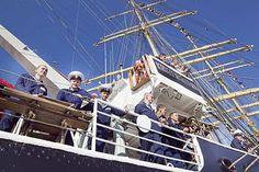 Maailman toiseksi suurin purjealus, parkki Kruzenshtern vieraili kesäkuussa Oulun Oritkarissa. Oululaiset eivät kuitenkaan innostuneet laivasta odotetulla tavalla. Vain kolmannes kävijätavoitteesta saavutettiin.  Kuva: Jarmo Kontiainen