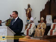 Eucaristía celebrada por Monseñor Salazar, Arzobispo de Bogotá, Primado de Colombia. En esta foto con el Dr. Humberto Grimaldo, Director Departamento de Humanidades.
