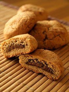 Cookies fourrés au Nutella, prêts à être dégustés