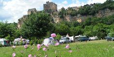 Camping Le Capeyrou, Beynac et Cazenac. Winnaar ANWB Award mooiste charme camping 2015, in 2012 een 8.2 van de ANWB en goede recensies op tripadvisor.