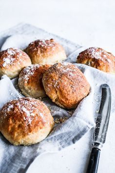 Breakfast Buns with Greek Yoghurt and Oats Baking Buns, Bread Baking, Fodmap, Fun Baking Recipes, Danish Food, Food Crush, Bread Bun, Fabulous Foods, What To Cook