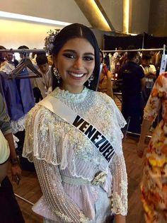 Diva Quotes, Thai Dress, Miss World, Universe, Sari, Asian, Culture, Costumes, Traditional