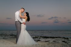 Beach sunset wedding photography, outdoor photography inspiration