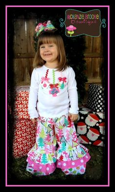 Christmas Outfit idea for little girl. Going to make this for Arie :) Little Girl Outfits, Cute Outfits For Kids, Little Girl Fashion, Toddler Girl Outfits, Toddler Dress, Kids Fashion, Christmas Sewing, Christmas Shirts, Christmas Clothing