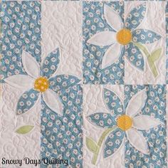This delightful quilt was inspired by our Wallflower quilting tutorial, and we think it's beautiful! ・・・ This Crazy Daisy quilt was inspired by the Wallflower tutorial by Missouri Star Quilt Company. All of the quilting is freehand. Patchwork Quilt, Star Quilts, Applique Quilts, Scraps Quilt, Baby Applique, Star Quilt Blocks, Quilting Tutorials, Quilting Projects, Quilting Designs