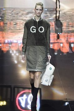 Anya Hindmarch RTW Fall 2015 - Slideshow