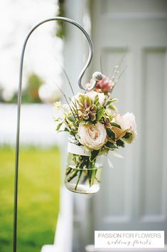 outdoor-wedding-ceremony-flowers-shepherds-croocks-south-farm-wedding-passion-for-flowers